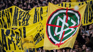 Liga empfängt der gastgeber sc freiburg ii den herausforderer borussia dortmund ii. Bvb Ultras Setzen In Dortmund Politisches Statement Gegen Dfb Vorgehen Fussball