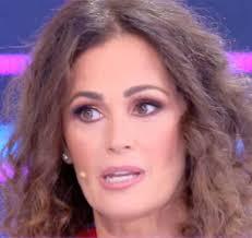 Samantha De Grenet a Domenica Live racconta la sua lotta al tumore al covid
