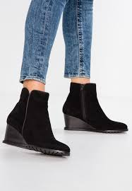wedge ankle boots black