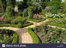 Small Picture Boxwood hedges in a rose garden Design Marianne and Detlef Ldke