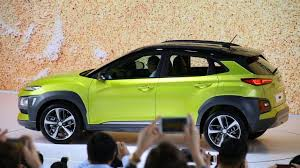 2018 hyundai crossover. simple 2018 2018 hyundai kona is a mini suv with big looks and advanced tech  roadshow for hyundai crossover w