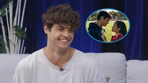 I don't know how i got so lucky! Noah Centineo On The Lock Screen Pic With Lana Condor It S Not Uncommon For Us To Cuddle Exclusive Entertainment Tonight