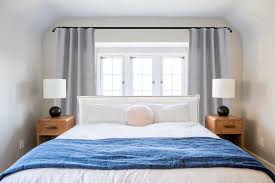 Bedroom Design With Bed In Front Of Windows Ask The Audience Master Bed In Front Of Window Bedroom