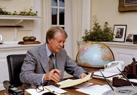 jimmy carter oval office. President Carter At Work In The Oval Office, 1977 Jimmy Office N