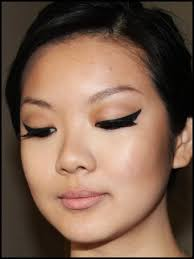 get the look kim kardashian inspired dramatic cat eye