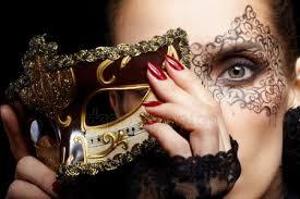 <b>Кружевная маска</b>