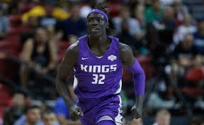 Wenyen Gabriel elevated to Kings opening night roster