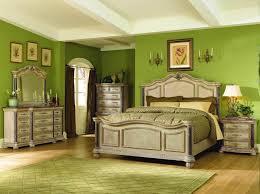 5 Reasons To Choose Pine Bedroom Furniture Sets : Modern Rustic Bedroom  Design With Rustic Pine