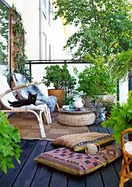 Small Balcony Decor Ideas perfect for renters! We discuss ways to make your  small patio