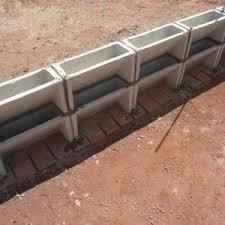 Mesmo com pouco espaço você pode utilizar os blocos de concreto para fazer uma horta vertical para plantar seus temperos favoritos, verduras e hortaliças que se adaptam bem em vasos. Blocos Para Jardim Vertical Lecel Materiais Para Construcao Telha Tijolo Catanduva