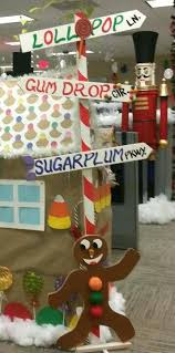 office christmas decoration ideas themes. beautiful christmas office christmas decorating ideas themes door   gingerbread house christmas decorations to decoration