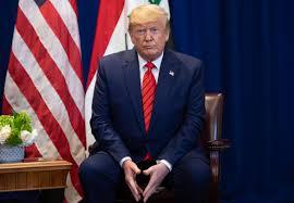 Presidente da Câmara abre processo de impeachment de Trump