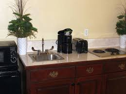 Queen Kitchenette Suite
