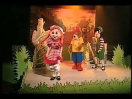 Tiger Club Zoo Troop - Bradley Bear, polly and ned Dancing. Haven Holidays  - YouTube