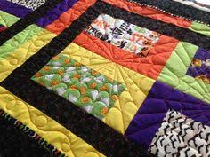 Diamond Detour in AMB Solids | Machine Quilting | Pinterest ... & Karen made this cute little table runner, too. I don't know why I never  think of making anything smaller. Quilting Blogs, Longarm ... Adamdwight.com