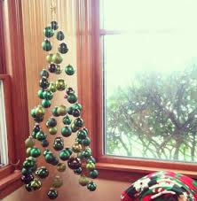 Decorating Christmas Tree With Balls 100 Christmas Tree Decorating Ideas Ultimate Home Ideas 66