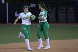 Late comeback lifts Ducks over Badgers in Eugene Regional semifinal |  Softball | dailyemerald.com