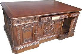 Amazon.com: White House Oval Office President Resolute Desk ...