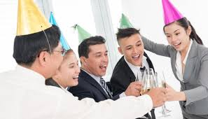 celebrate your successes fun holiday team building activities fun company holiday party ideas