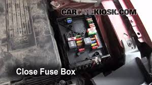 replace a fuse 2009 2016 volkswagen tiguan 2011 volkswagen Tiguan Fuse Box 6 replace cover secure the cover and test component tiguan fuse box diagram