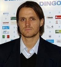 Der VfB Stuttgart hat Cheftrainer <b>Thomas Schneider</b> mit sofortiger Wirkung <b>...</b> - thomas-schneider-11753