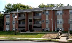 exterior view at cedar gardens and towers apartments townhomes in windsor mill