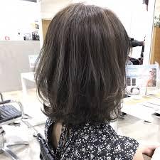 レイヤーでふんわりミディアムにグレージュカラー Dishel清井慎二blog