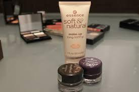 pics 021 essence soft natural make up long lasting essence