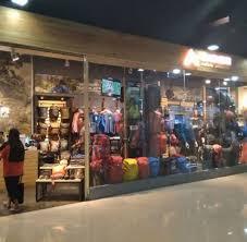 Berikut ini adalah alamat toko/outlet eiger banjarbaru. Eiger Perlengkapan Outdoor Terlengkap Ambon City Center Ambon Indonesia Gotomalls