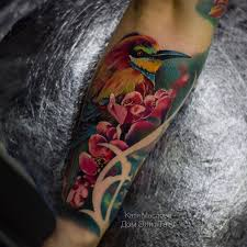 татуировки птичка с цветами в стиле реализм цветная мужские