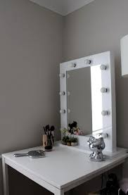 Small Bedroom Vanity Table Bedroom Vanity Table With Lighted Mirror Create A Vanity Table