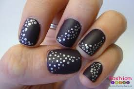 How To Do Easy Black Nail Paint Art