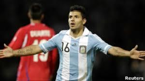 وخاض اغويرو آخر مبارياته مع السيتي على ملعب الاتحاد أمام إيفرتون، ونجح في تسجيل هدفين ضمن خماسية فريقه. الأرجنتيني سيرخيو اغويرو ينتقل إلى مانشستر سيتي Bbc News عربي