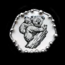 vintage wedgwood koala plate shard pin pendant