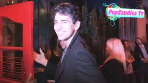 gene simmons son tongue. nick simmons on miley cyrus tongue vs gene alice cooper at hooray henry\u0027s son i