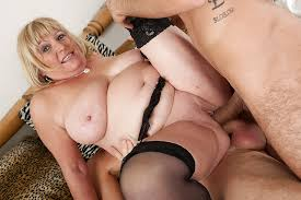 Mature woman double fucked