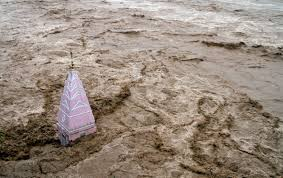 hundreds die in and after heaviest rain in years
