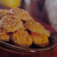 150 ml santan kelapa kental. Kue Kering Keju Kelapa Memadukan Bahan Bercita Rasa Barat Yakni Keju Dengan Bahan Bercita Rasa Tradisional Nusant Kue Kering Makanan Dan Minuman Resep Makanan