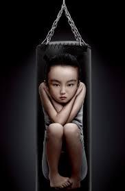 Risultati immagini per picchiare un bambino per educare
