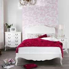 Shabby Chic Decor For Bedroom Shabby Chic King Bedroom Furniture Creating The Effect Of Shabby