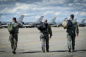Air Force To Let Fighter Pilots Crew Stay At Preferred Bases