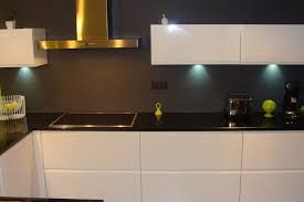 Cuisine Laquée Blanche Plan De Travail Granit Noir Cuisine En