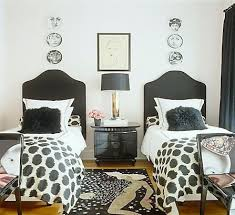 Black And White Small Bedroom Ideas 2