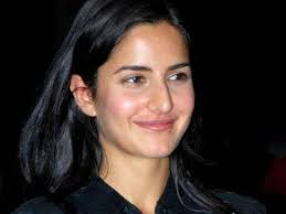 katrina kaif porly known as the barbie doll of bollywood is one of the most beautiful in the world without makeup