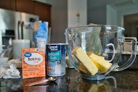 Read more fungsi bakibg powder buat adoban donat : Apa Beda Baking Powder Dan Baking Soda Dalam Proses Pembuatan Kue Penasaran Makanan