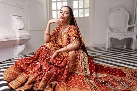 Komal meer, laiba khan, zainab shabbir host: Hina Ashfaq Looks Regal In Her Latest Bridal Shoot Pictures Lens