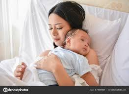 Neugeborenen Konzept Mutter Und Kind Auf Einem Weißen Bett Mama