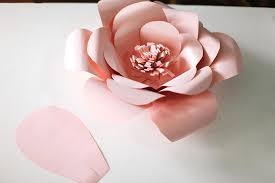 how to make giant paper flowers wall decor