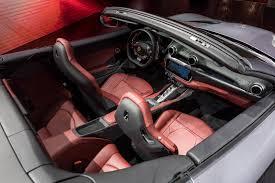 ferrari portofino interior. bertepatan dengan peluncuran portofino, ferrari juga meraih penghargaan \u0027china performance car of the year\u0027, yang diberikan kepada 812 superfast oleh sebuah portofino interior r