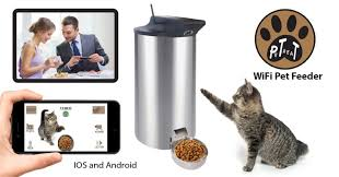 you can control the petpal automamic pet food dispenser by wifi and apps